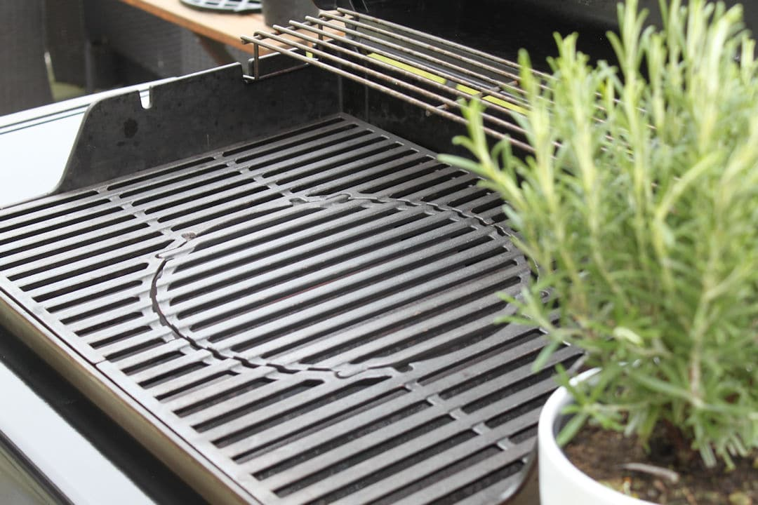 Weber Holzkohlegrill Gbs : Weber master touch gbs cm ivory raima grill