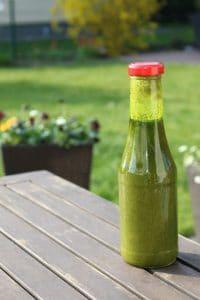 Bärlauch-Pesto in der Flasche