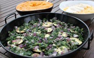 Spinat, Zwiebeln und Süßkartoffelbrei