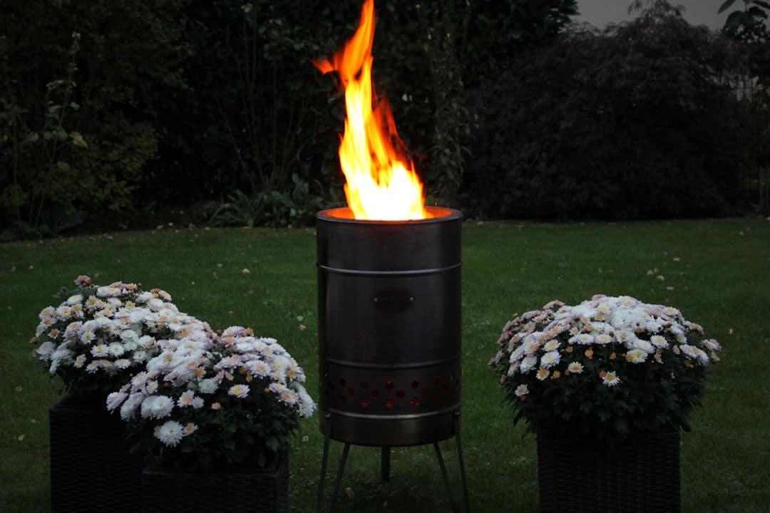Feuerplatte und Feuertonne – das Dreamteam für den Garten ...