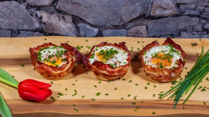 Frühstücksmuffins - Toast-Käse-Bacon-Ei