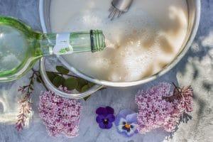 Spargelsuppe mit Weißwein