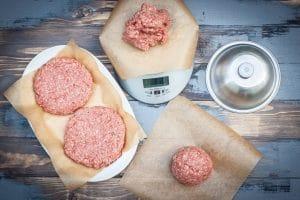 Patties für Hamburger formen
