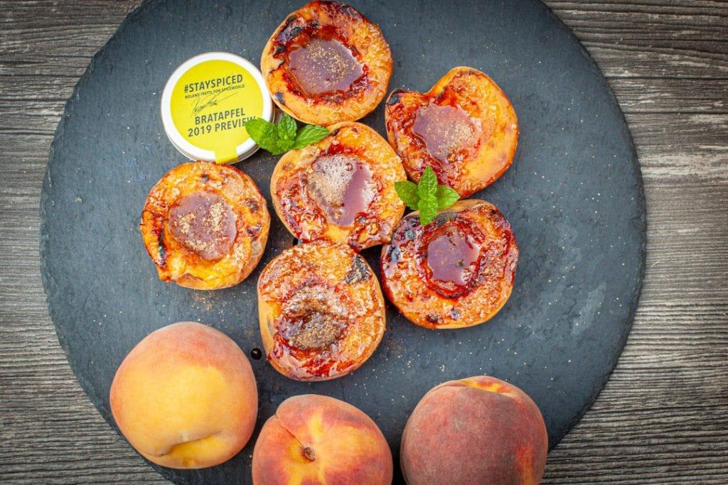Karamellisierte Früchte vom Oberhitzegrill