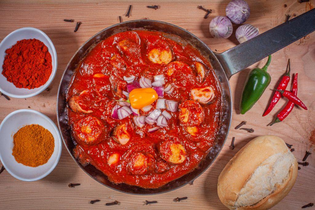 Currywurst-Pfanne