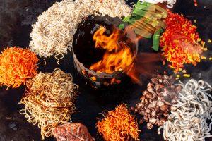 Feuerplatte mit Asia Nudeln