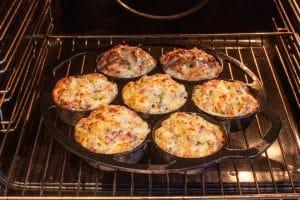 Flammkuchen-Muffin backen