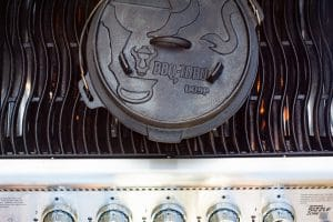 Dutch Oven auf dem Gasgrill