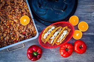Pulled Pork im Taco Shell mit Koriandersauce