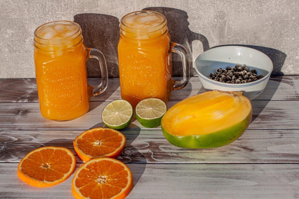 Tea and Fruit mit Mango und Orange