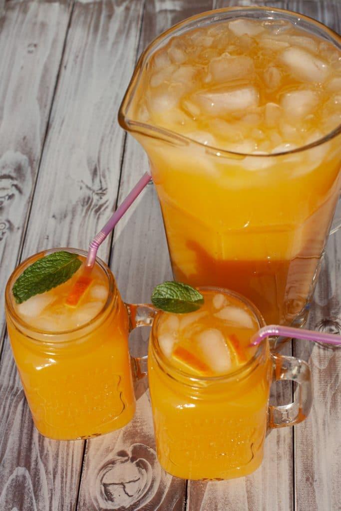 Tea and Fruit mit Mango, Orange und Limette