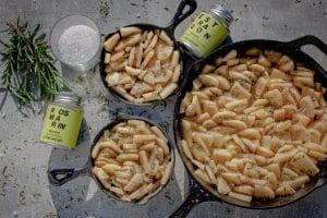 Kartoffelgratin Kartoffen in der Pfanne