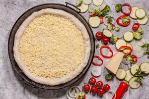 Pan Pizza mit Käse im Rand