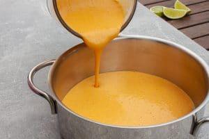 Suppe umfüllen