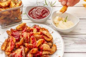 knusprige Country Potatoes mit Dip