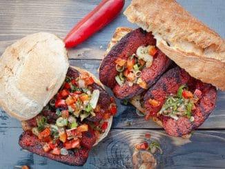 Choripan mit Chorizo und Chimichurri