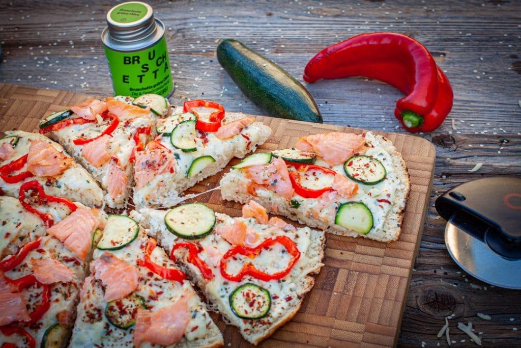 Fladenbrot als Pizza
