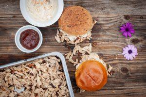 Pulled Chicken Burger: Der Zusammenbau
