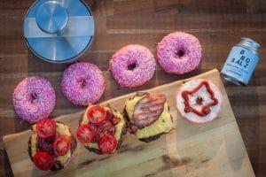 Donut-Burger Zusammenbau