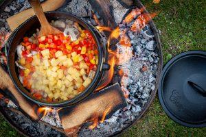 Bauerntopf mit Paprika und Kartoffeln