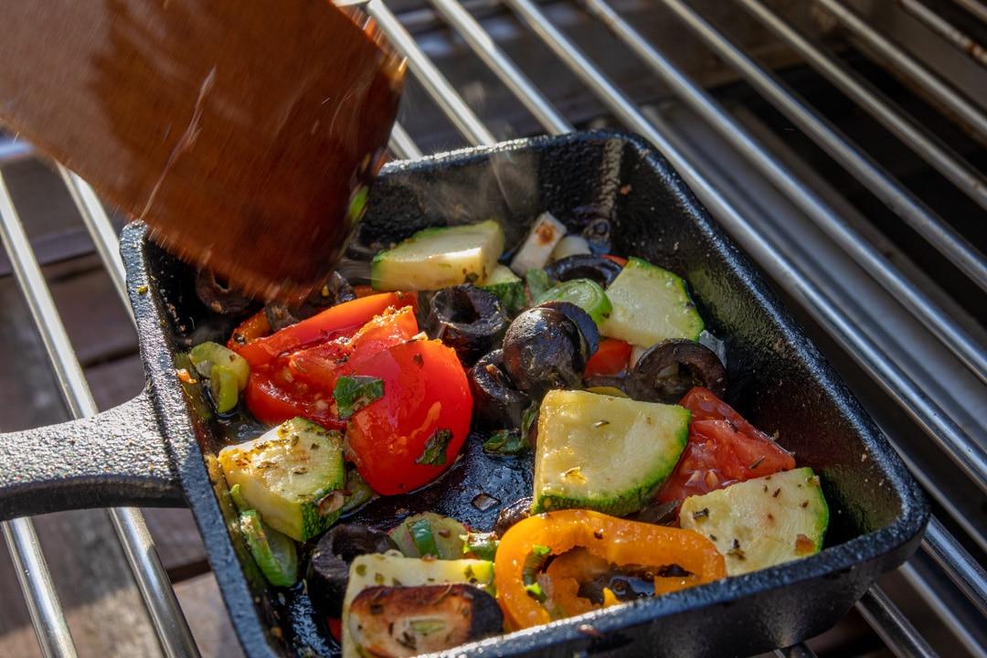 Raclette mit mediterranem Gemüse vom Oberhitzegrill