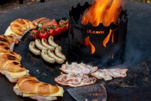 Bacon auf der Feuerplatte