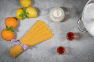 One Pot Pasta mit Zitrone, Orangensaft und Amaretto