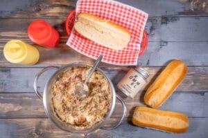 Hot Dogs mit Sauerkraut