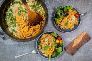 Mac and Cheese mit frischem Salat