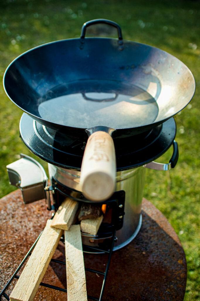 Raketenofen mit Wok von BBQ-Toro