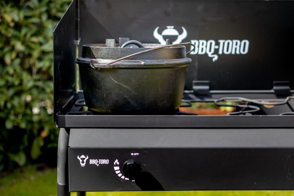 Gas Grilltisch BBQ-Toro mit Dutch Oven